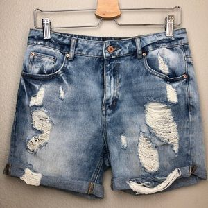 ZARA Distressed Denim Shorts in Size 2